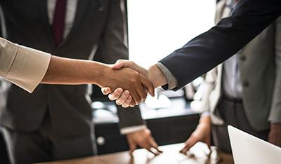 Първи стъпки в брокерството: Как да бъдете успешен консултант?