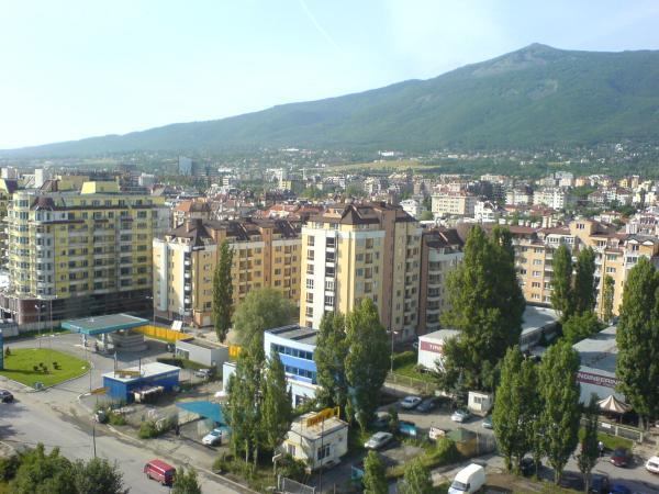 имоти в града
