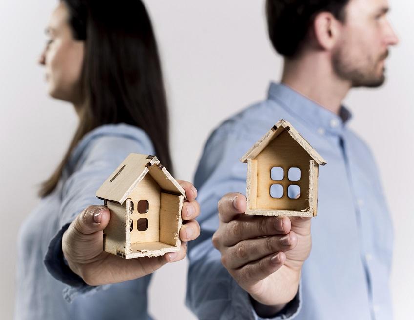 Делба и продажба на придобит при фактическо съжителство имот