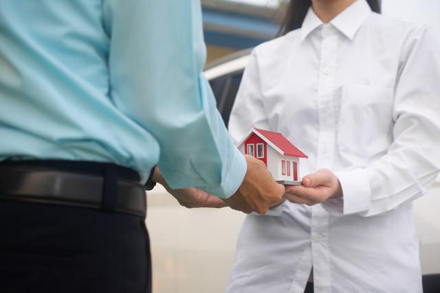 брокерите съдействат на наематели и наемодатели