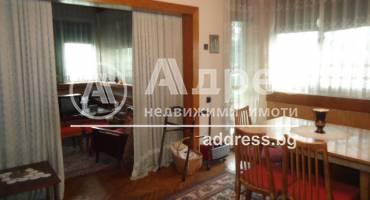 Многостаен апартамент, Добрич, Център, 426007, Снимка 1