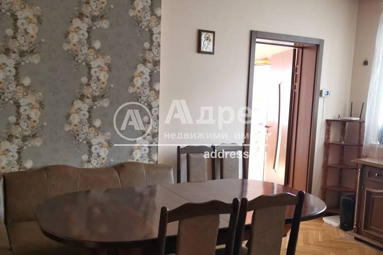 Тристаен апартамент, Добрич, Център, 478009, Снимка 3