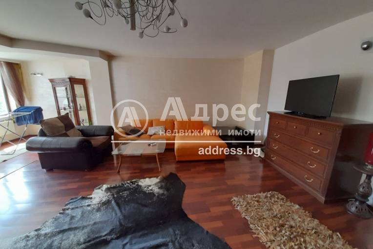 Многостаен апартамент, Варна, Гръцка махала, 270222, Снимка 1
