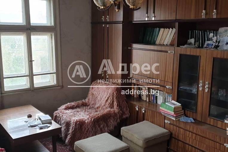 Етаж от къща, Пазарджик, Идеален център, 231298, Снимка 1