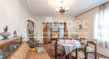 Многостаен апартамент, Варна, Гръцка махала, 513298, Снимка 1