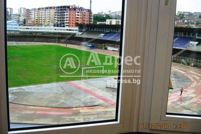 Тристаен апартамент, Велико Търново, Широк център, 134301, Снимка 1