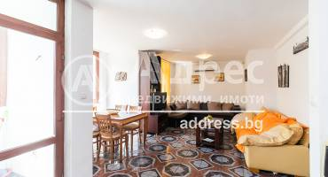 Тристаен апартамент, Варна, Гръцка махала, 523342, Снимка 1