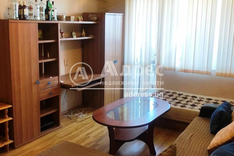 Двустаен апартамент, Благоевград, Център, 240373, Снимка 1