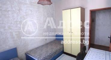 Тристаен апартамент, Благоевград, Широк център, 516375, Снимка 2