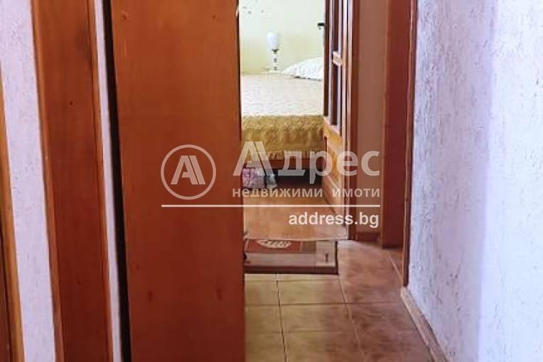 Тристаен апартамент, Благоевград, Широк център, 516375, Снимка 9