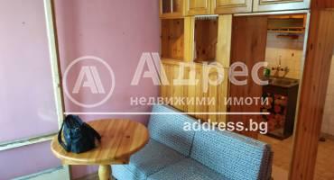 Двустаен апартамент, Варна, Погребите, 487435, Снимка 1