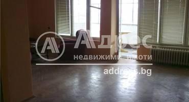 Многостаен апартамент, Добрич, Център, 142483, Снимка 1