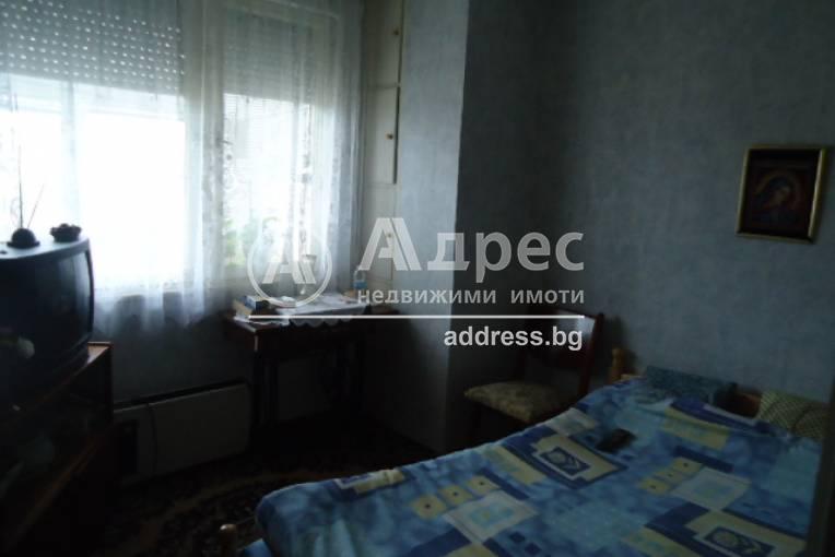 Тристаен апартамент, Добрич, Център, 229503, Снимка 2