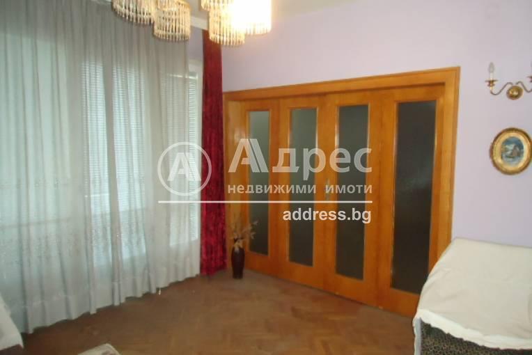 Етаж от къща, Добрич, Център, 309567, Снимка 1