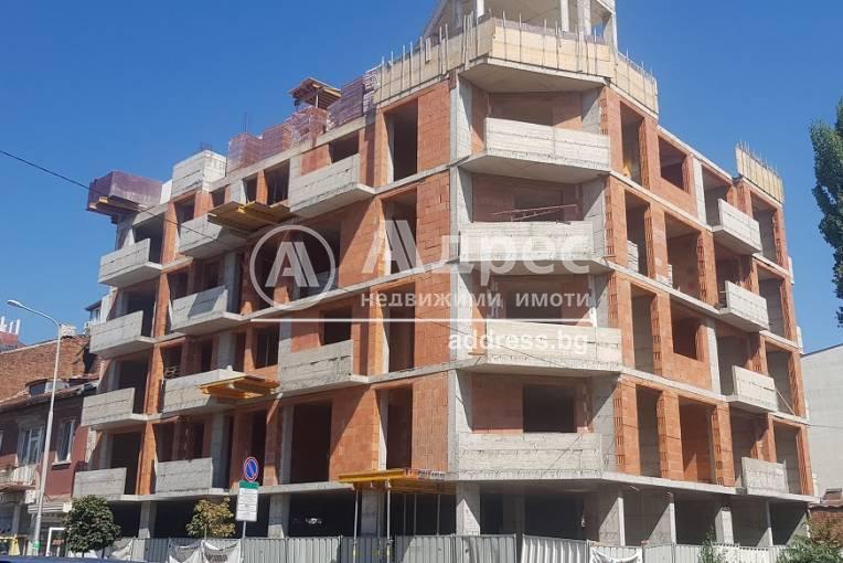 Тристаен апартамент, София, Център, 415575, Снимка 1