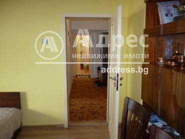 Двустаен апартамент, Добрич, Център, 518617, Снимка 1