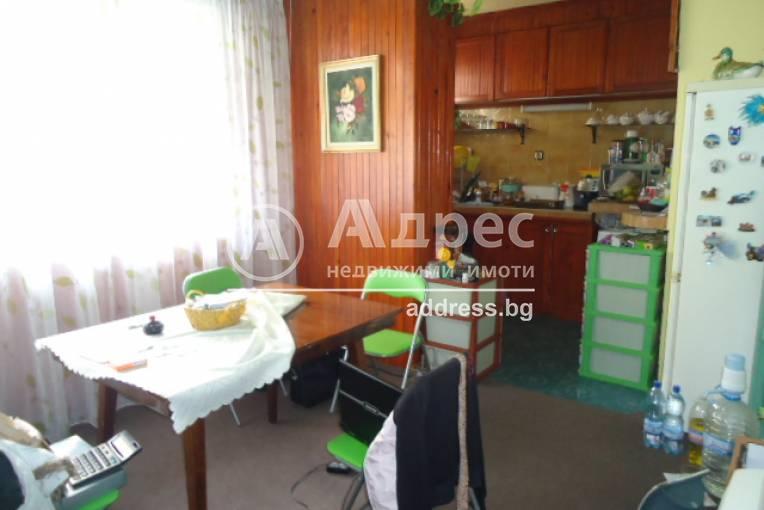 Етаж от къща, Добрич, Център, 230624, Снимка 1