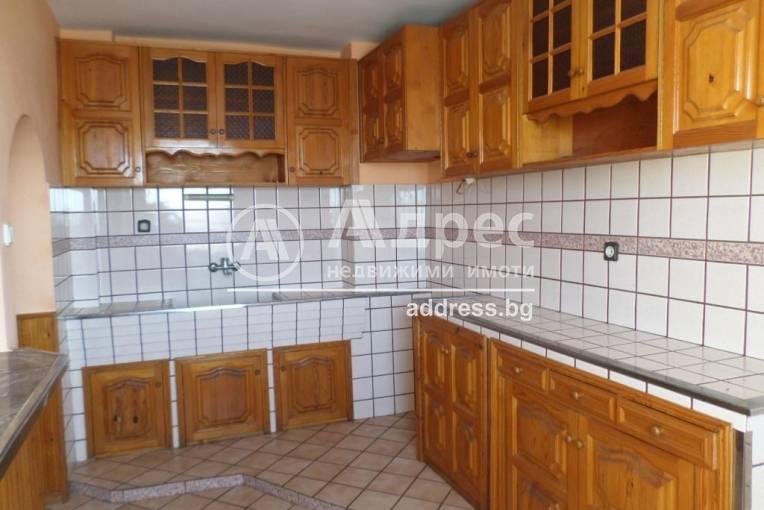 Многостаен апартамент, Каварна, 416632, Снимка 1