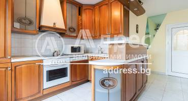 Тристаен апартамент, Варна, Център, 523690, Снимка 1