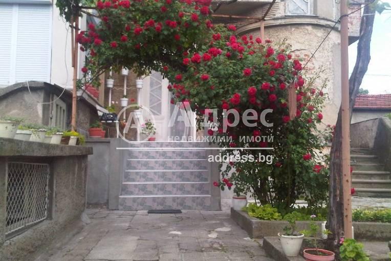 Етаж от къща, Ямбол, 241728, Снимка 1