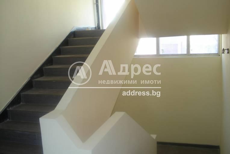 Офис Сграда/Търговски център, Шумен, Военно училище, 297728, Снимка 2