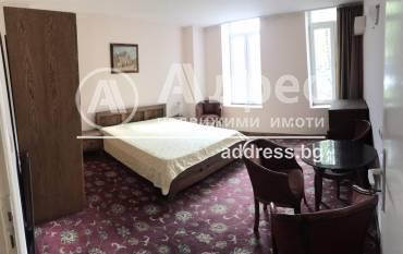 Двустаен апартамент, Велико Търново, Център, 490758, Снимка 1