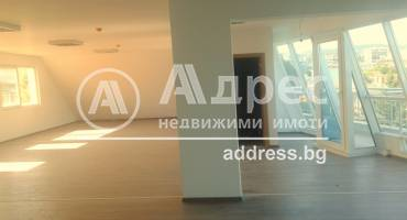 Многостаен апартамент, Варна, Идеален център, 404771, Снимка 1