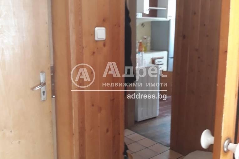 Тристаен апартамент, Благоевград, Широк център, 341795, Снимка 2