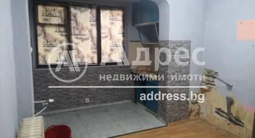 Тристаен апартамент, София, Изток, 518811, Снимка 1