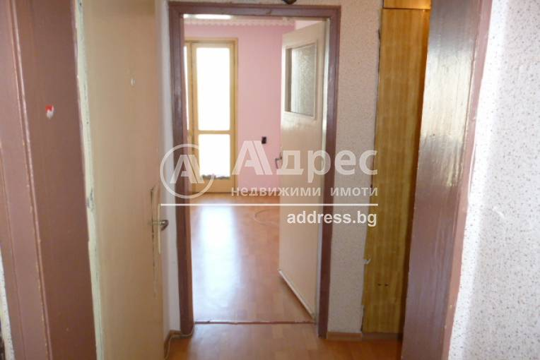 Тристаен апартамент, Добрич, Център, 333815, Снимка 2