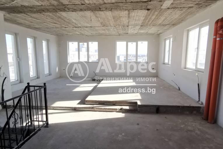 Тристаен апартамент, Добрич, Център, 276826, Снимка 1