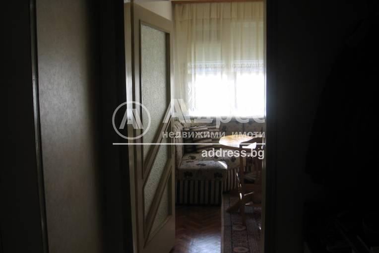 Многостаен апартамент, Добрич, Център, 206832, Снимка 1