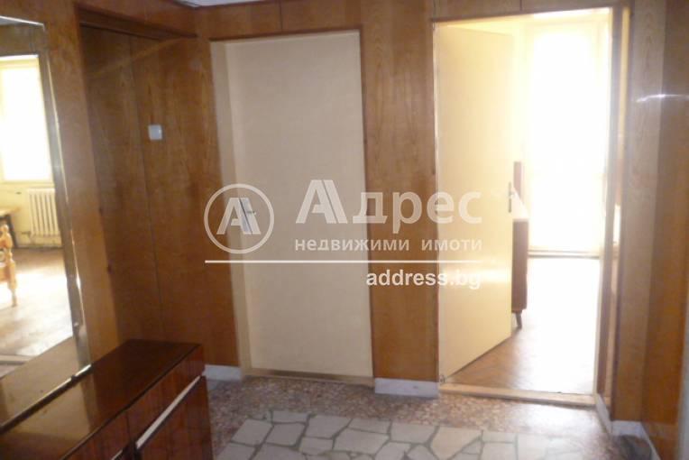 Многостаен апартамент, Добрич, Център, 431859, Снимка 1