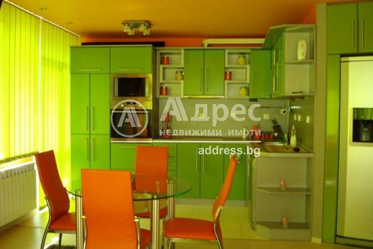 Тристаен апартамент, Благоевград, Широк център, 64956, Снимка 1