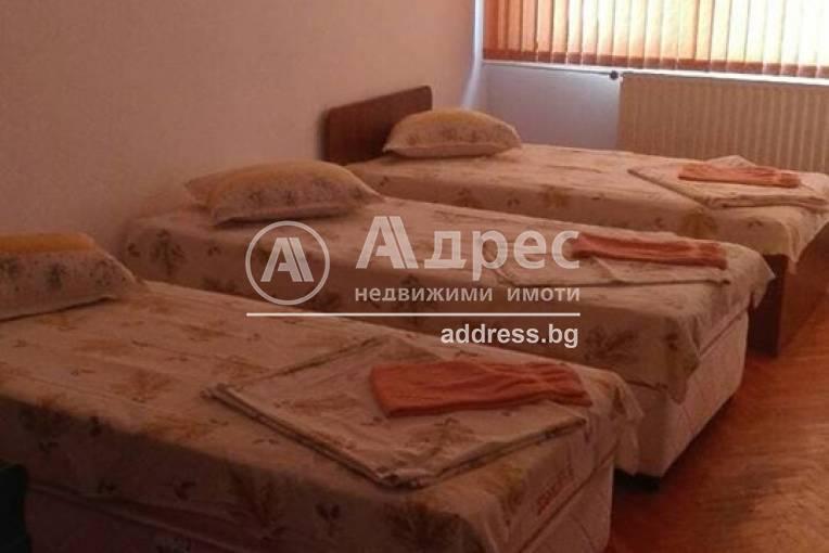 Тристаен апартамент, Велико Търново, Център, 430991, Снимка 1