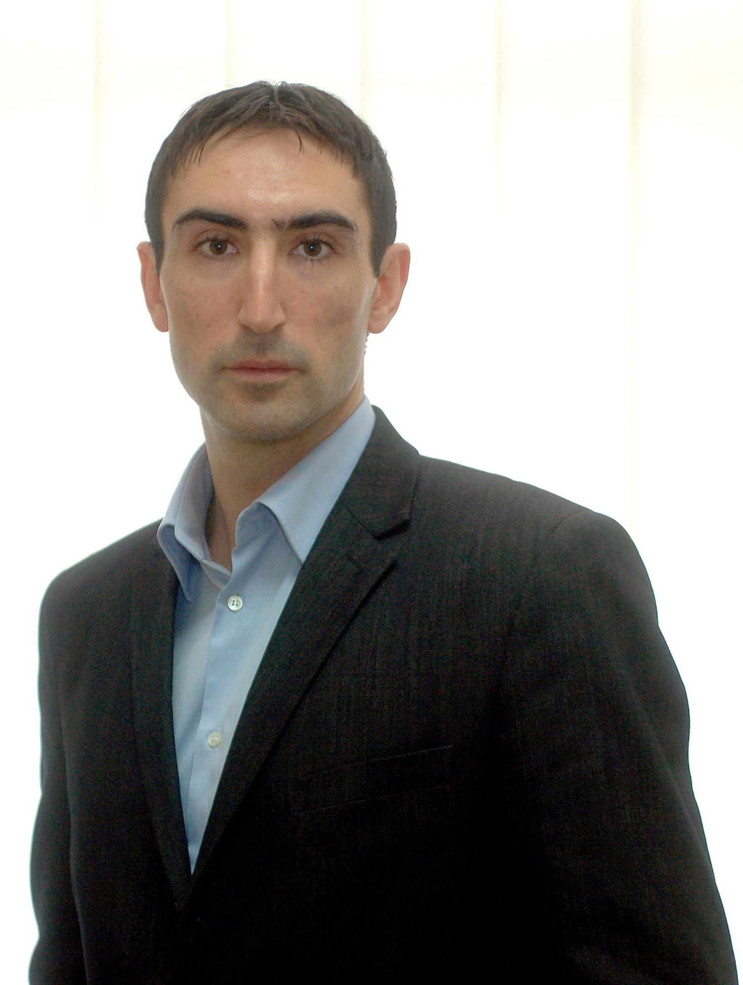 Десислав Касъров