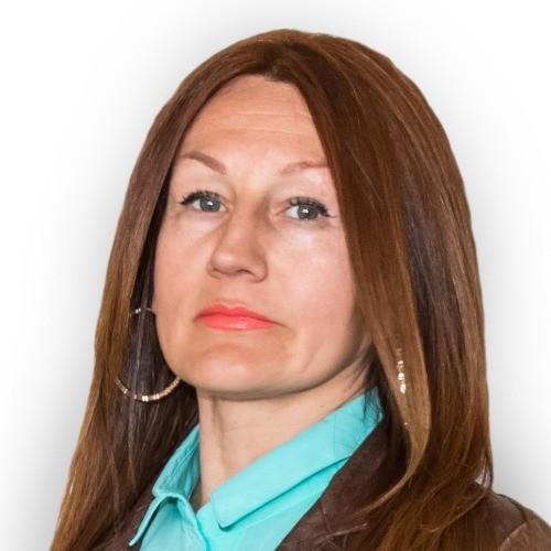 Лена Карманова