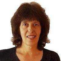 Елена Костова