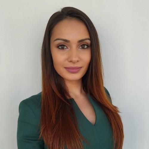 Кети  Рускова