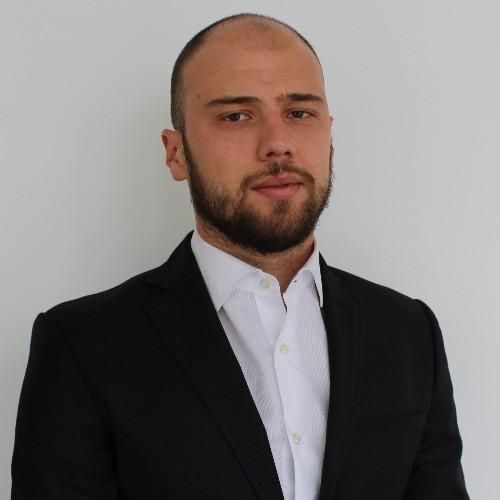 Никола Яначков